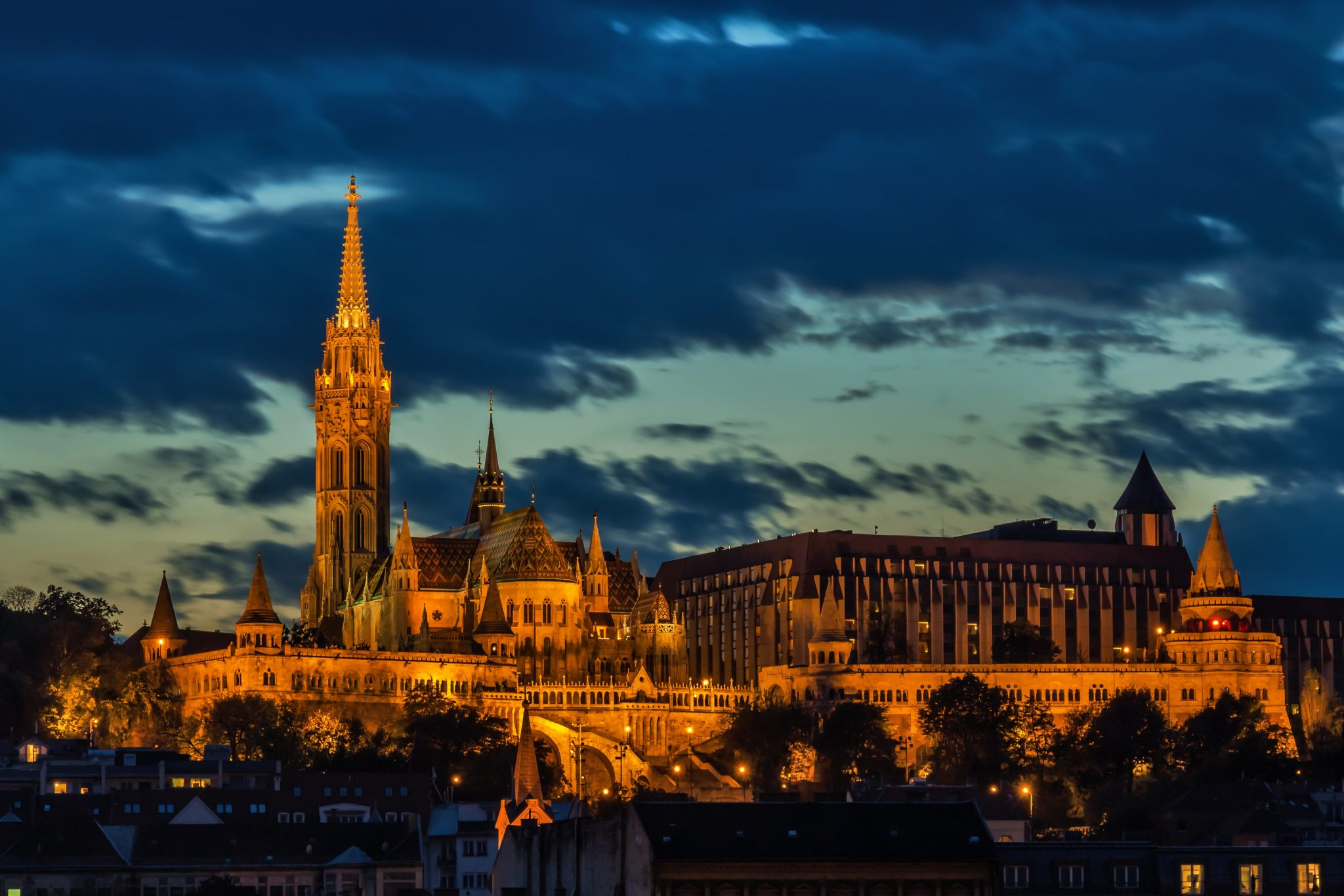 architecture-budapest-building-47727